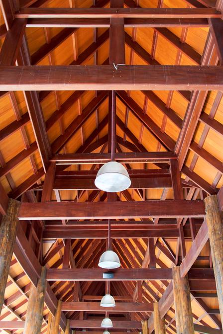 dřevěná střecha